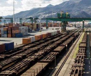 Due gru ferroviarie al PSA Pra'