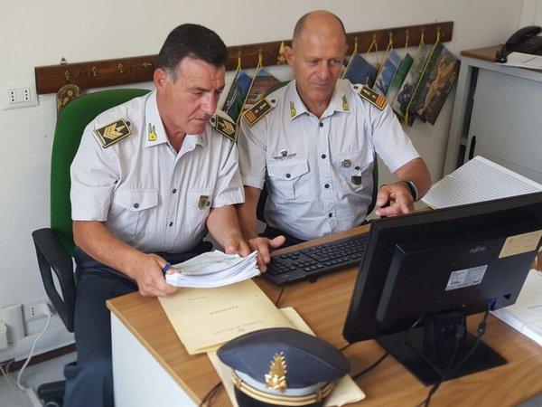 Arresto per bancarotta nell'autotrasporto a Cagliari