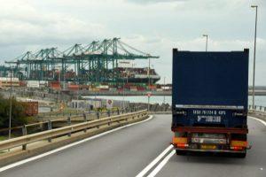 Sindacati contro riduzione tariffe dell'autotrasporto container