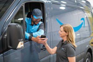Amazon vuole acquistare start-up sulla guida autonoma