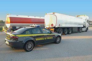 Due milioni di litri di gasolio contraffatto arrivati dall'Est Europa