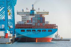 DB Schenker scende dalle portacontainer di Maersk