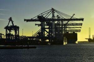Rotterdam sperimenta ritiro container con blockchain