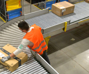 Amazon potrebbe aumentare le retribuzioni