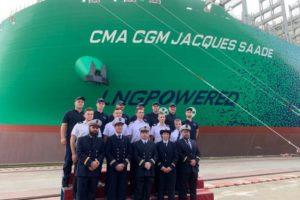 Cma Cgm vara la portacontainer a gas naturale liquefatto