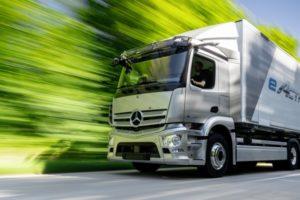 Mercedes venderà nel 2021 il camion elettrico