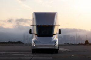 Walmart ordina 130 camion elettrici Tesla