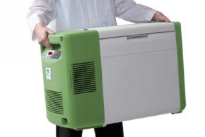 UPS prepara ghiaccio e contenitori per logistica vaccini