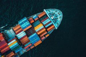 Sale l'incidenza del trasporto container sul prezzo delle merci