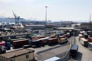 Trasportounito minaccia il fermo al porto di Genova