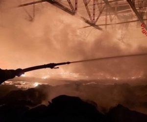 Incendio distrugge la logistica di Sapa ad Airola